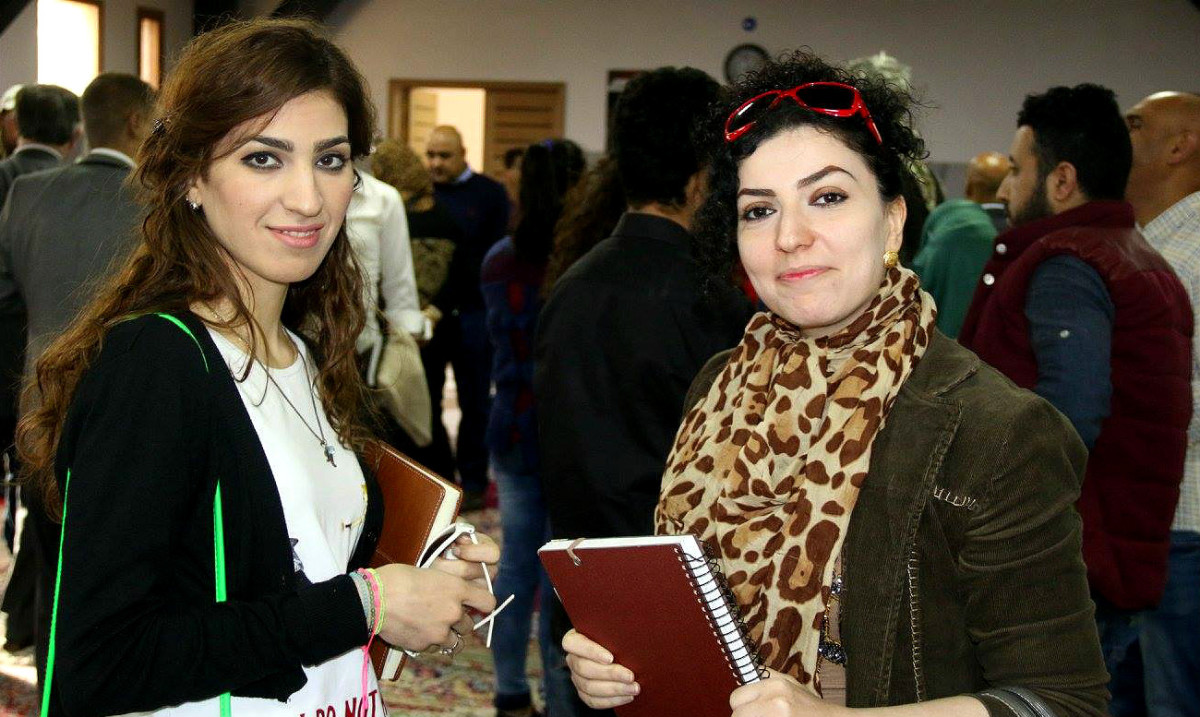 From left to right: Nour Abid Ali and Muna al Jafal. Photo: Falah Hasan/Ruya Foundation.