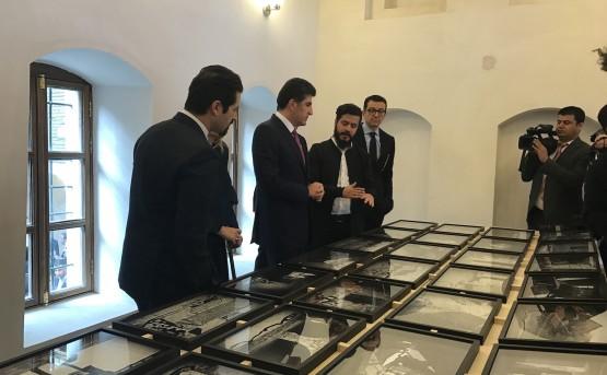 Akam Shex Hadi presents his work to H.E. Prime Minister Mr. Nechirvan Barzani, Deputy Prime Minister Mr. Qubad Talabani, Ruya's co-founder Mr. Shwan Taha.