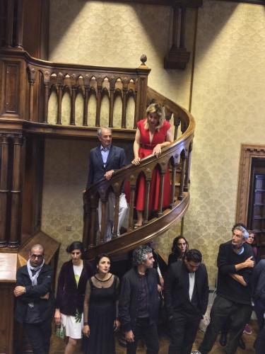 Co-curators Tamara Chalabi and Paolo Colombo thank the artists at the opening reception of 'Archaic'. (c) Ruya Foundation / Boris Kirpotin